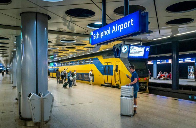 Schiphol, Eindhoven விமான நிலைய பயணமும் கொரோனா நடவடிக்கைகளும்